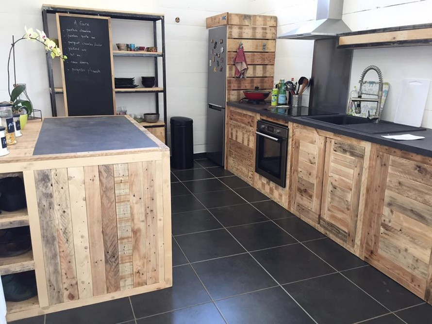 Wood Pallet Powered Kitchen