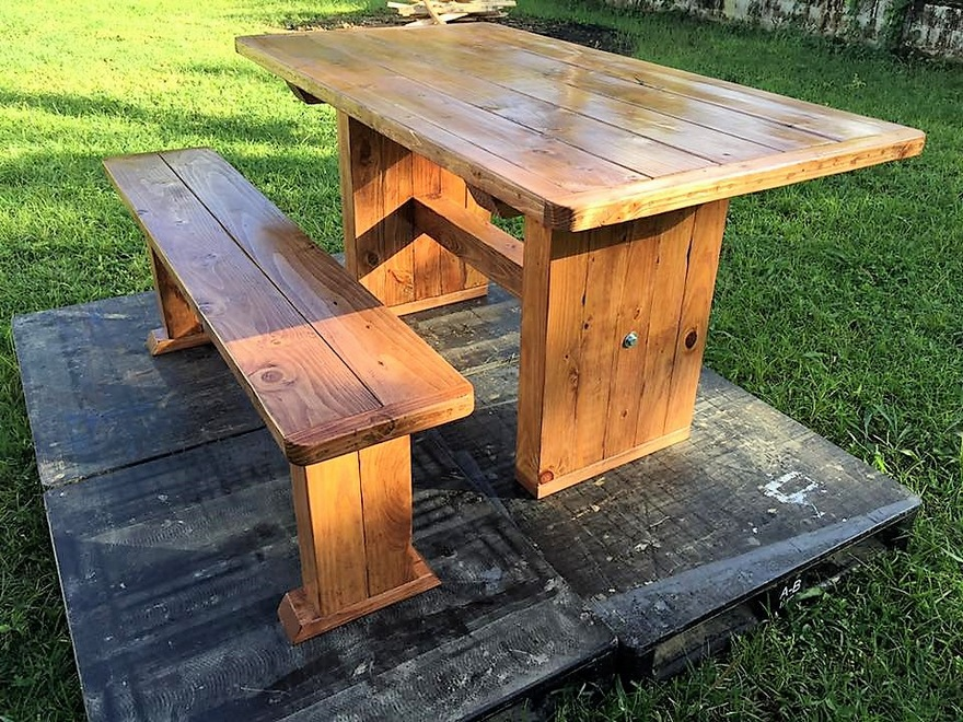 Recycled Pallet Dining Table and Bench