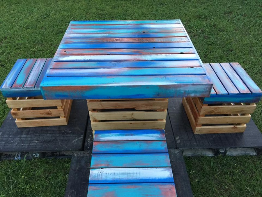 Pallets Wood Made Coastal Dining Set