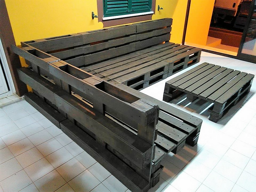 Repurposed Wooden Pallet Sofa Plan