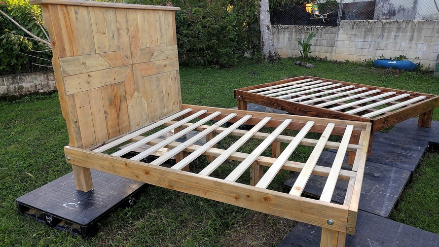 Recycled Pallets Queen Bed Frames