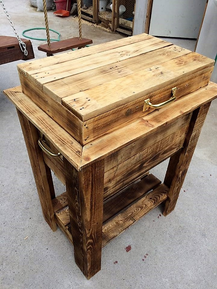 Pure Rustic Pallet Cooler Idea