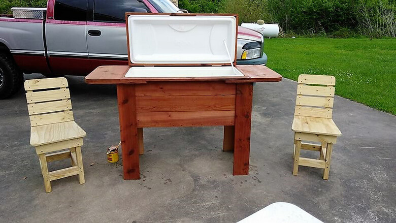 Repurposed Wooden Pallets Cooler Plan