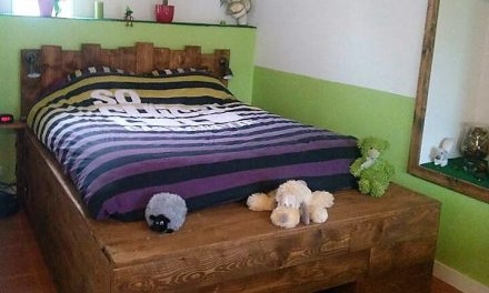 DIY Giant Bed with Used Wood Pallets