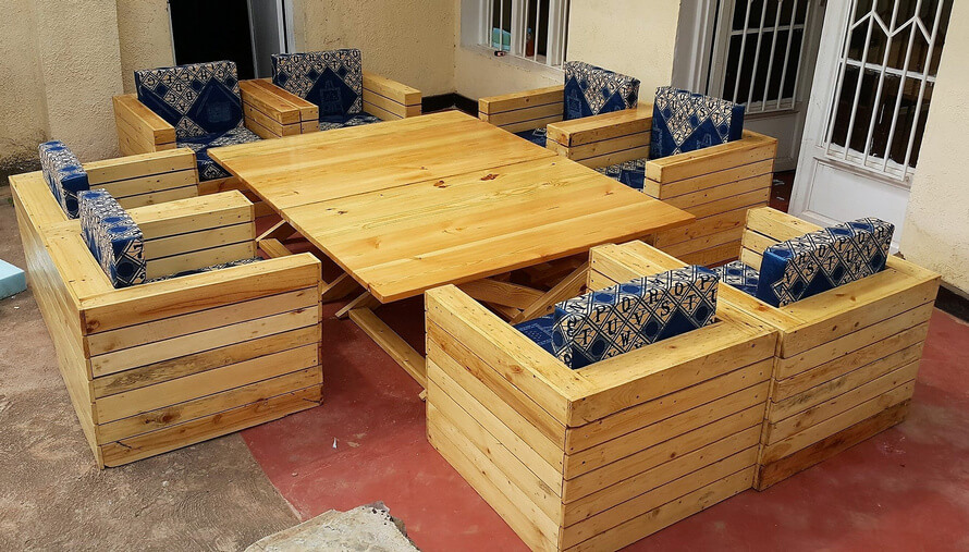 Wood Pallets Outdoor Sofa With Adjustable Table Wood