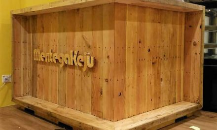 Repurposed Projects with Used Shipping Pallets