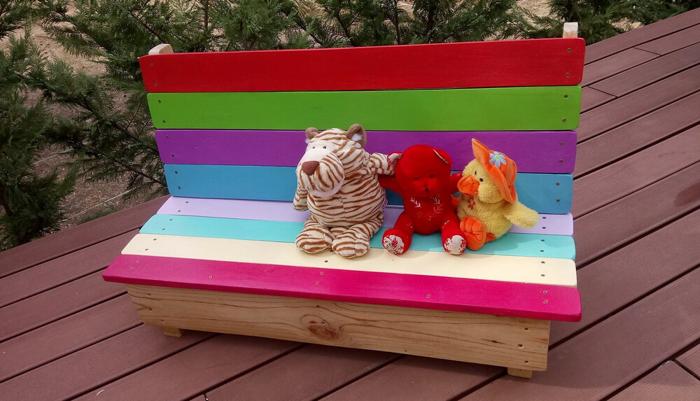 Kids Garden Bench Out Of Wooden Pallets Wood Pallet