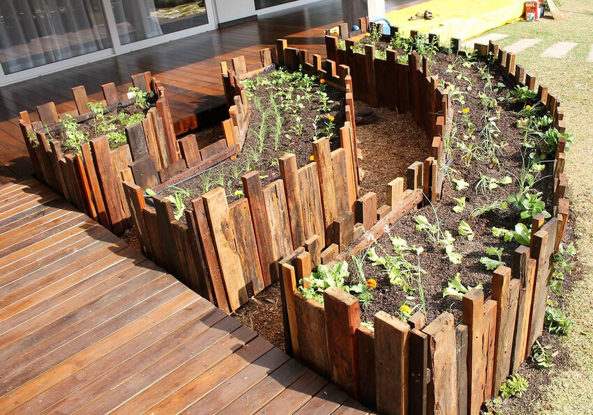 Raised Garden Made By Using Used Pallet Wood Wood Pallet
