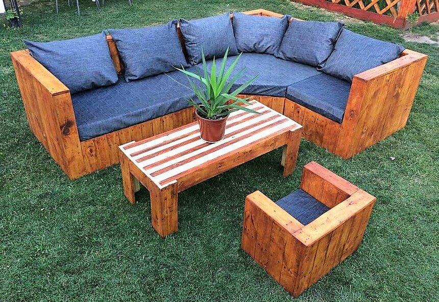 Repurposed Wood Pallet Garden Sofa Plan | Wood Pallet ...