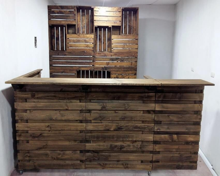 Bar Made Out Of Recycled Shipping Pallets Wood Pallet