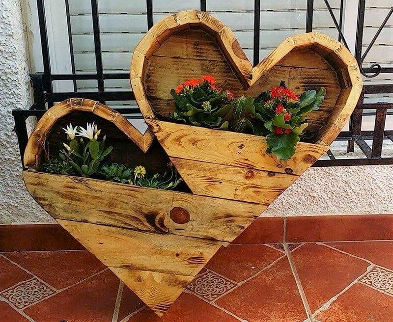 wood pallet planter art