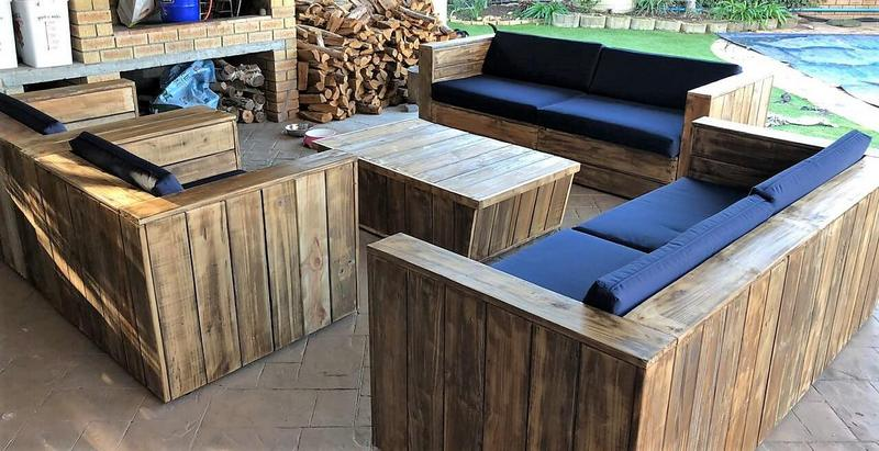 recycled pallets outdoor couch set